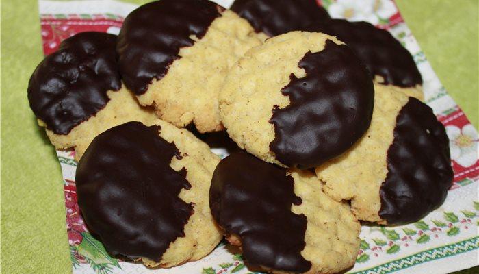 Kokosové keksíky máčané v horkej čokoláde