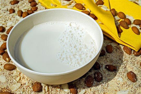 Sú rastlinné mlieka (nápoje) skutočne zdravé?